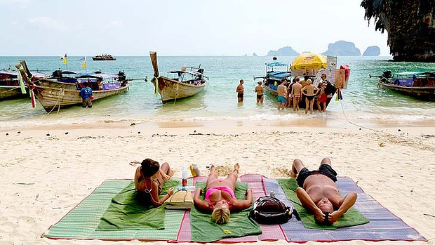 Flocking To Thailand S Beach Resorts